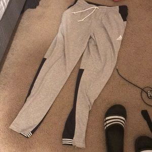 Never worn adidas pants with zipper